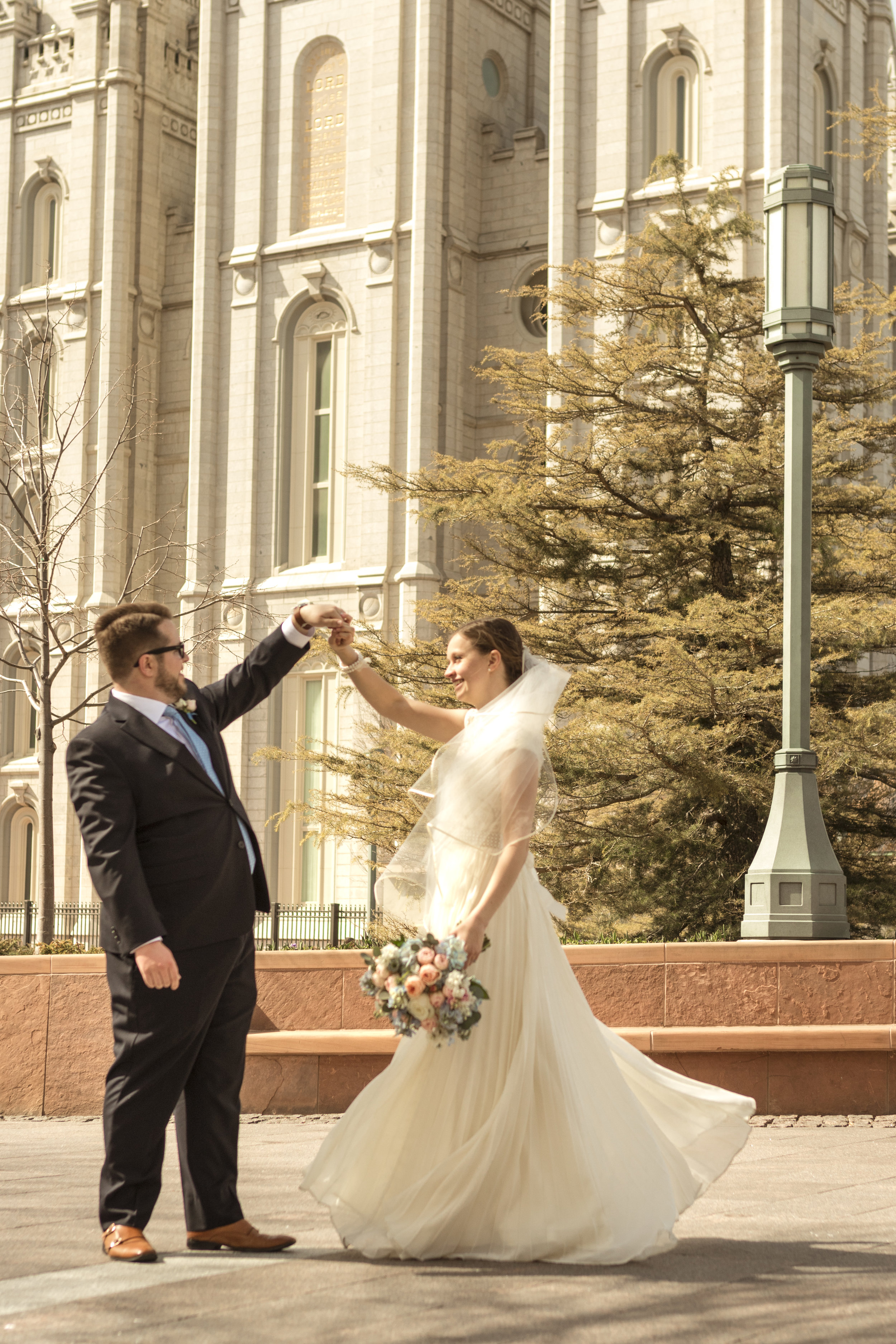 Utah Spring Wedding at the Salt Lake City Temple by Bri Bergman Photography09.JPG