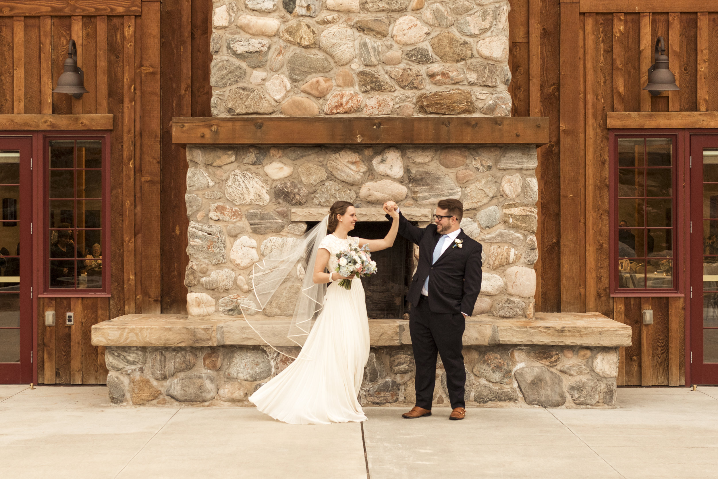 Utah Spring Wedding in a rustic barn by Bri Bergman Photography05.JPG