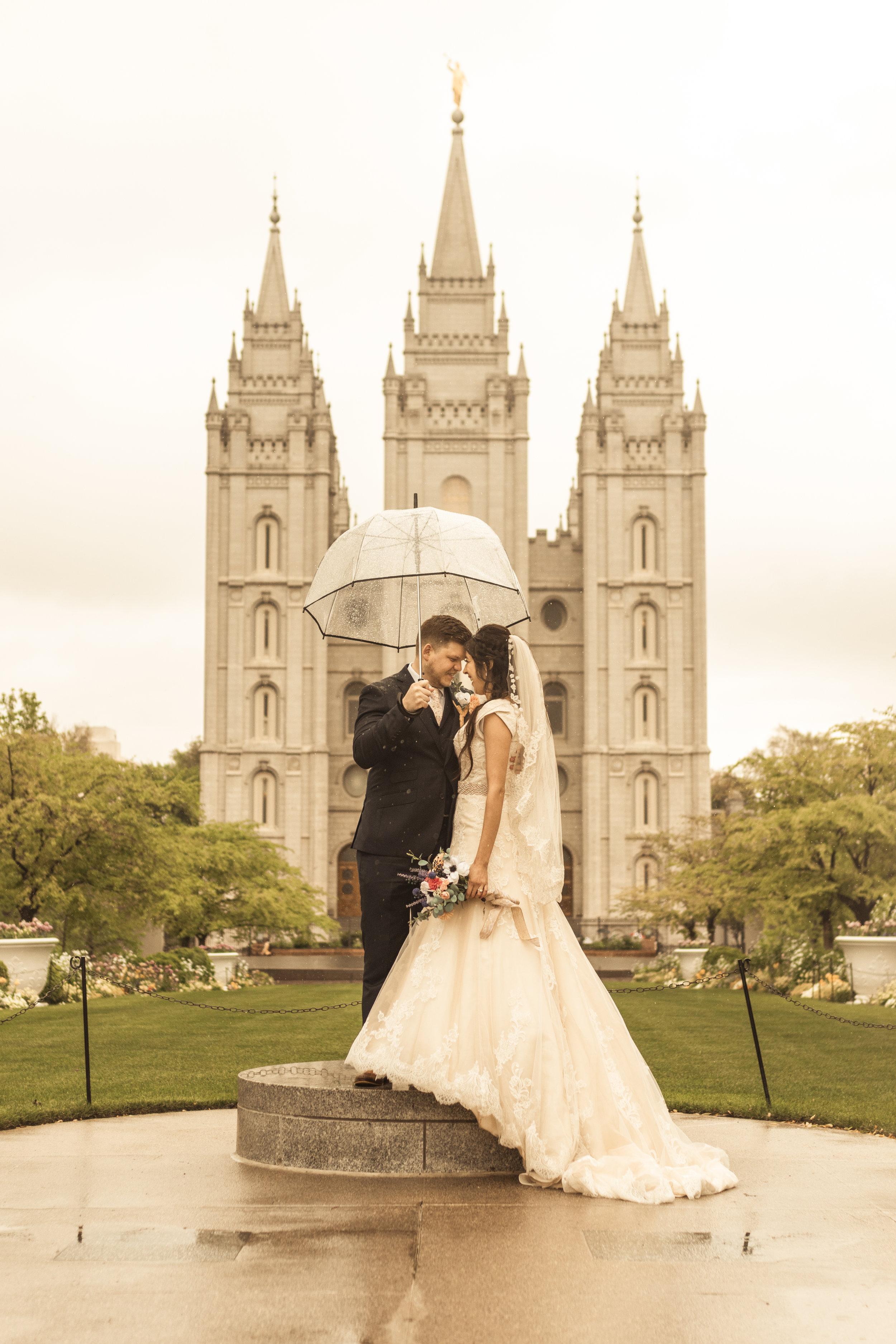 Rainy Spring Wedding at the Salt Lake Templeby Bri Bergman Photography03.JPG