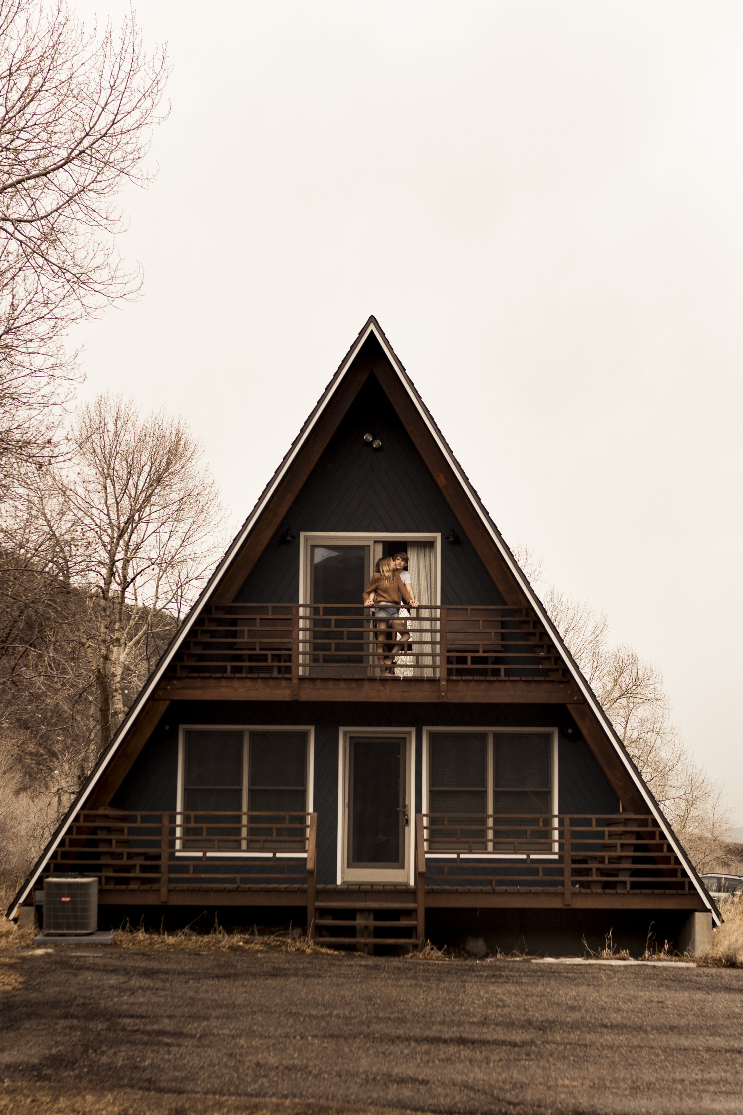 Utah in home couples session in a cute little A Frame Cabin by Bri Bergman Photography14.JPG