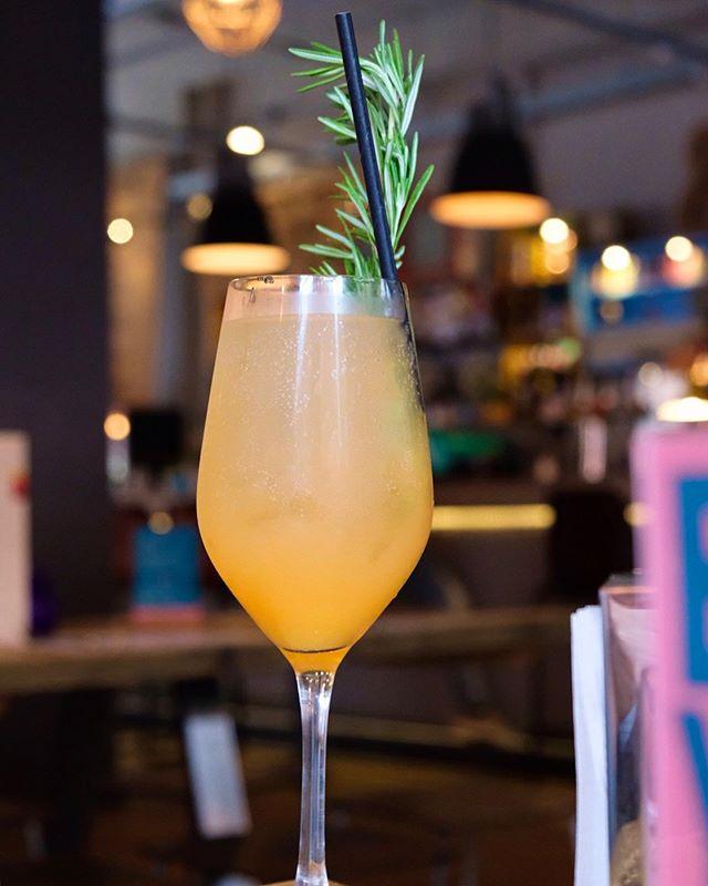 The Buck's Fizz cocktails from @yardandcoop are beyond fancier than the average! 👏🏻 . . . #cocktail #cocktails #cocktailoftheday #drinkoftheday #drink #drinkup #drinkstagram #drinks #happyhour #abmhappyhour #drinkporn #pourmeadrink #crafteddrinks #cocktailoclock #gooddrinks #mixology #mixologist #artofdrinks #cocktailporn #cocktailhour #cocktailtime #bucksfizz #manchesterblogger #ukblogger #boozytalk #bartendersbible #craftcocktails #imbibegram #worldsbestbars #cocktailsforyou @cocktailsinthec @cocktails_for_you @cocktails @cocktailbars @cocktails_and_mixology @cocktailkingdom @manchesterdrink @cocktail.inspirations