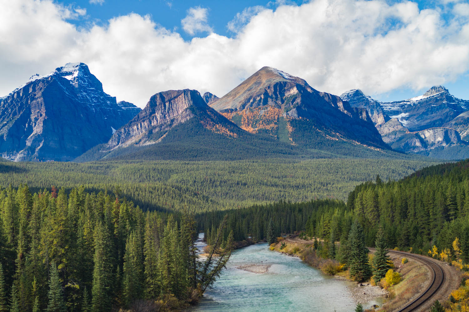 Mountains along the Icefield Parkway.
