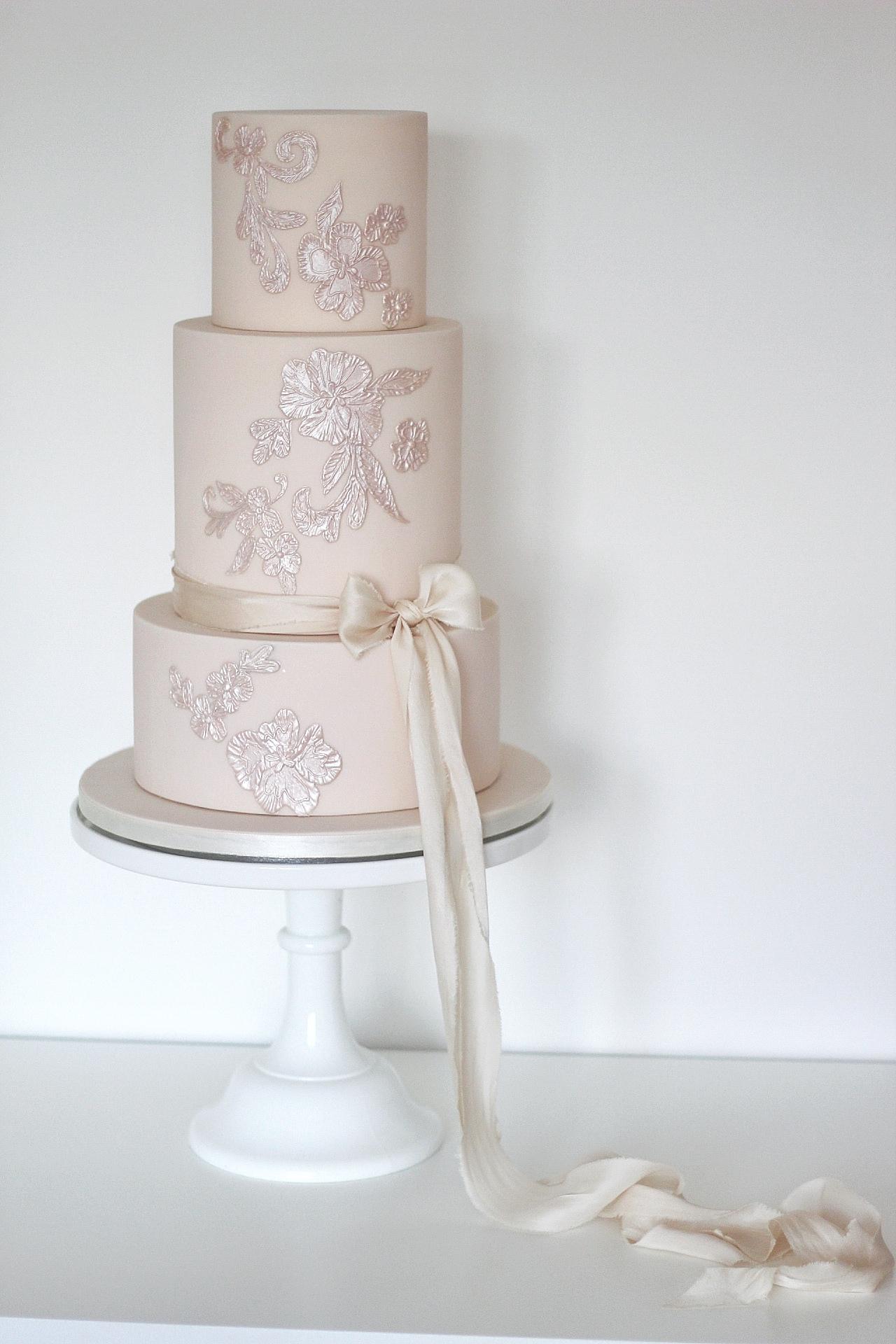 Blush-pink-wedding-cake.jpg