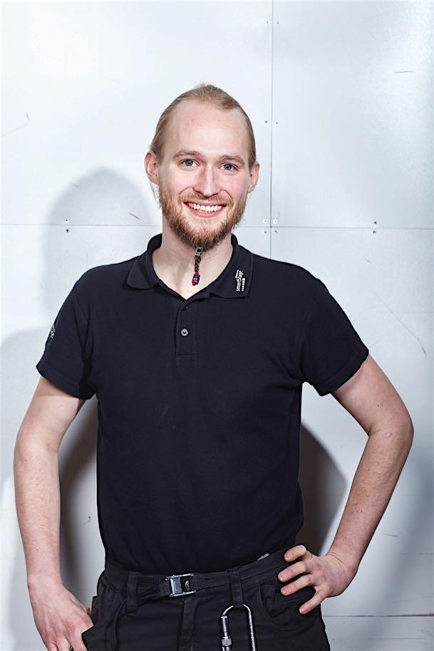 Julian Terhaar - director técnico teléfono: 02506 812 40-0Julian.terhaar@kultour.de