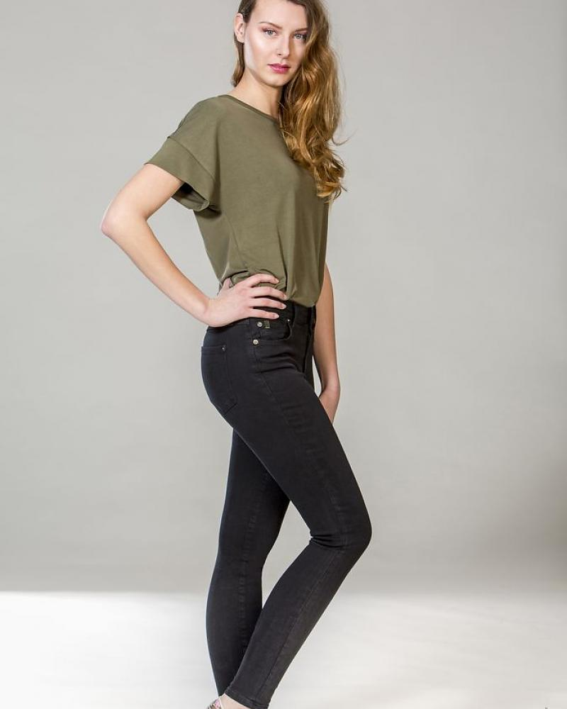 yoga-jeans-jeans-skinny-pitch-black-black.jpg