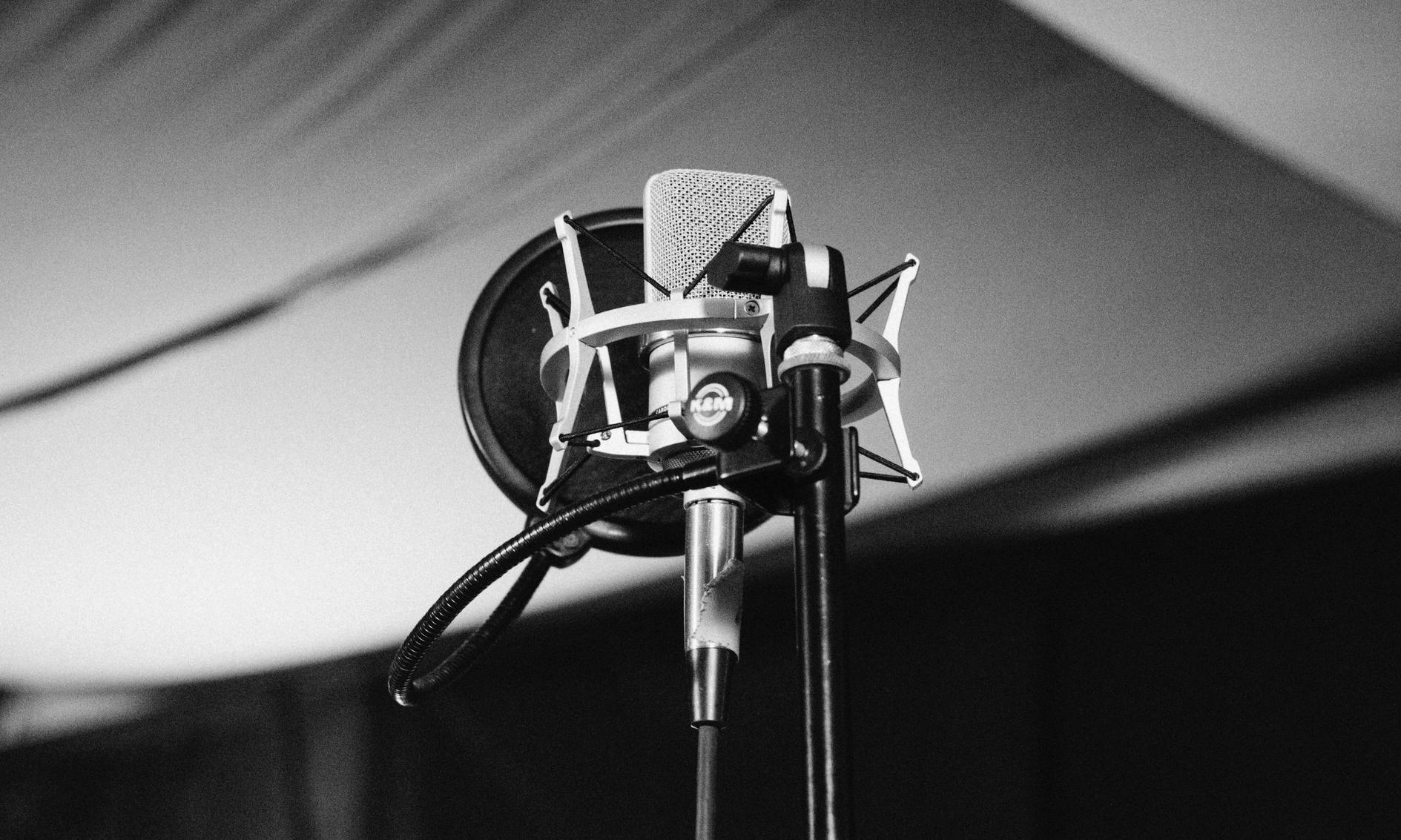 alternative2-podcasts-page.jpg