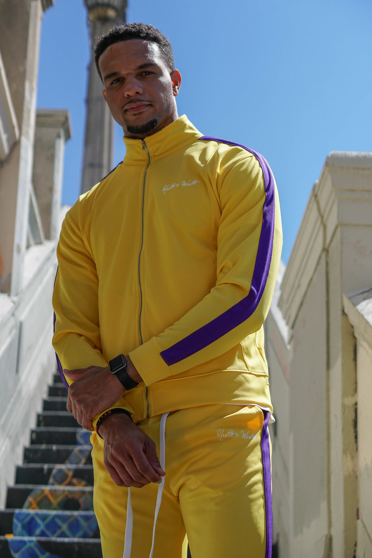 Intersection of sport & street style. - Full zip fastening with long sleeves.Elasticated cuffs and elasticated hem.A stand up collar and two pockets.