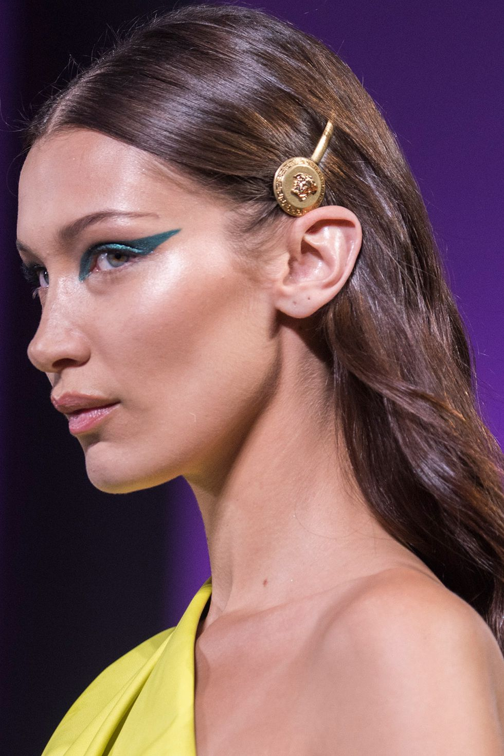 Graphic Glitters Makeup Trend