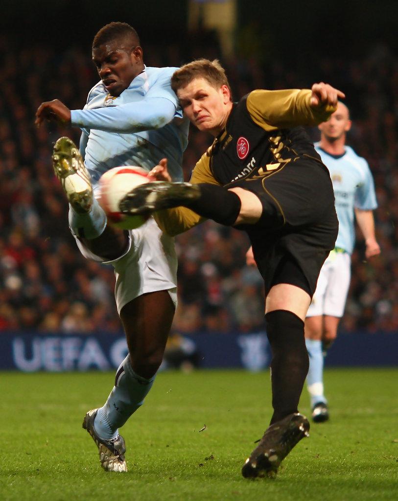 Manchester+City+v+Aalborg+UEFA+Cup+CnU9E7VPIM2x.jpg