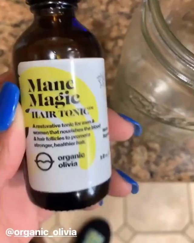 Whew, y'all flooded my inbox and comments asking for this 😂. The story expired so excuse the screen recorded copy! @organic_olivia got the juice, literally. I share my results from taking her Mane Magic tincture (which is a natural tincture) by the way and more details are listed in the video! I hope you find it as beneficial as i did AND remember to give it a few months to actually experience results. This is based on stimulation of the blood circulation and rooted in natural herbal ingredients ✨