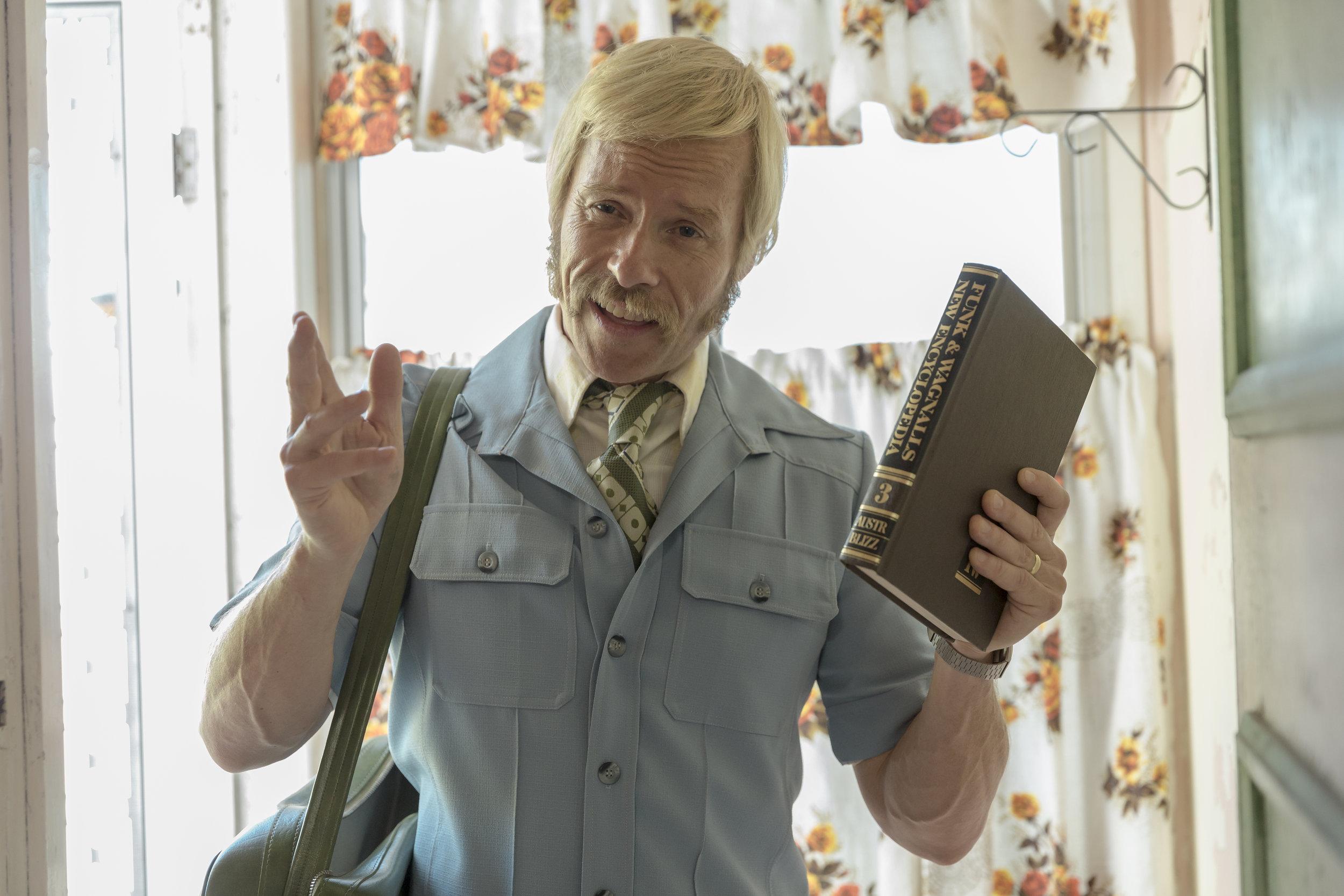 Keith Hall (Guy Pearce) - Swinging Safari.JPG