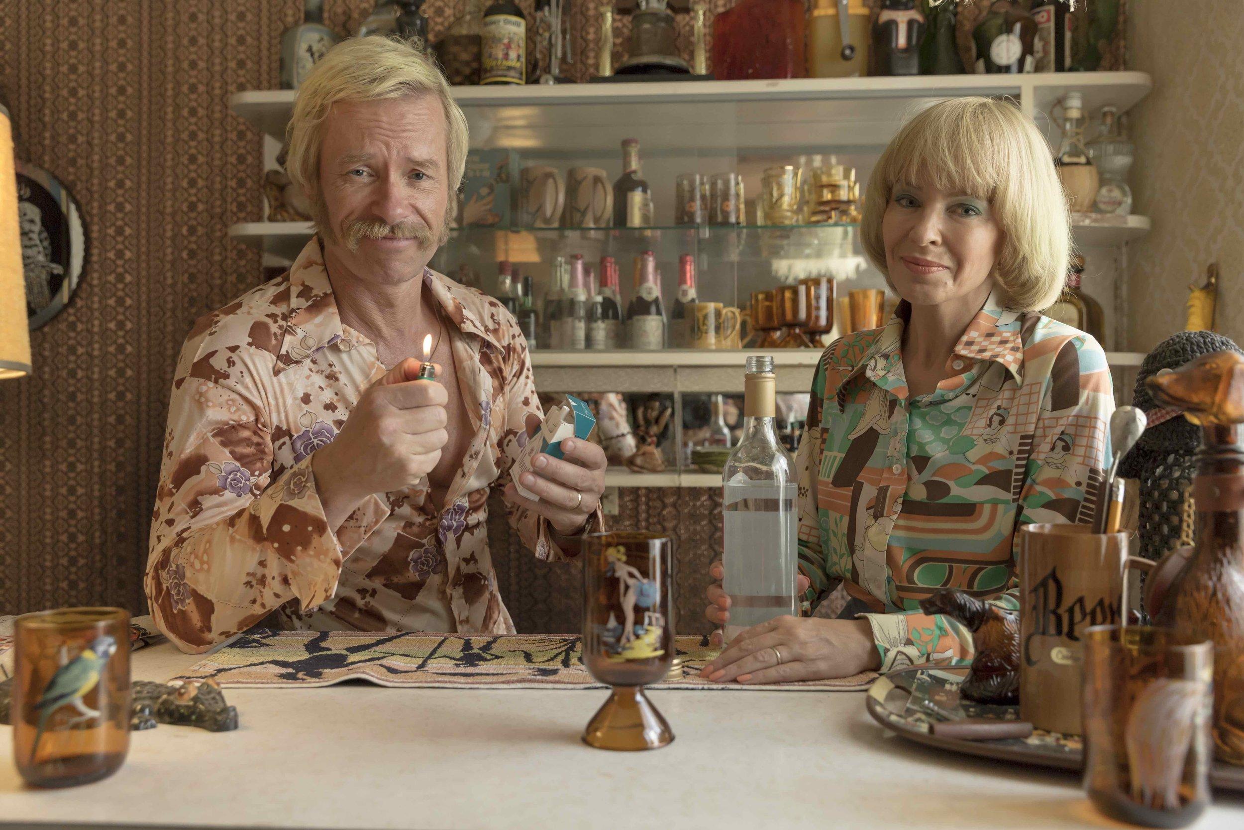 LOWRES_Keith Hall (Guy Pearce), Kaye Hall (Kylie Minogue) - Swinging Safari copy.jpg