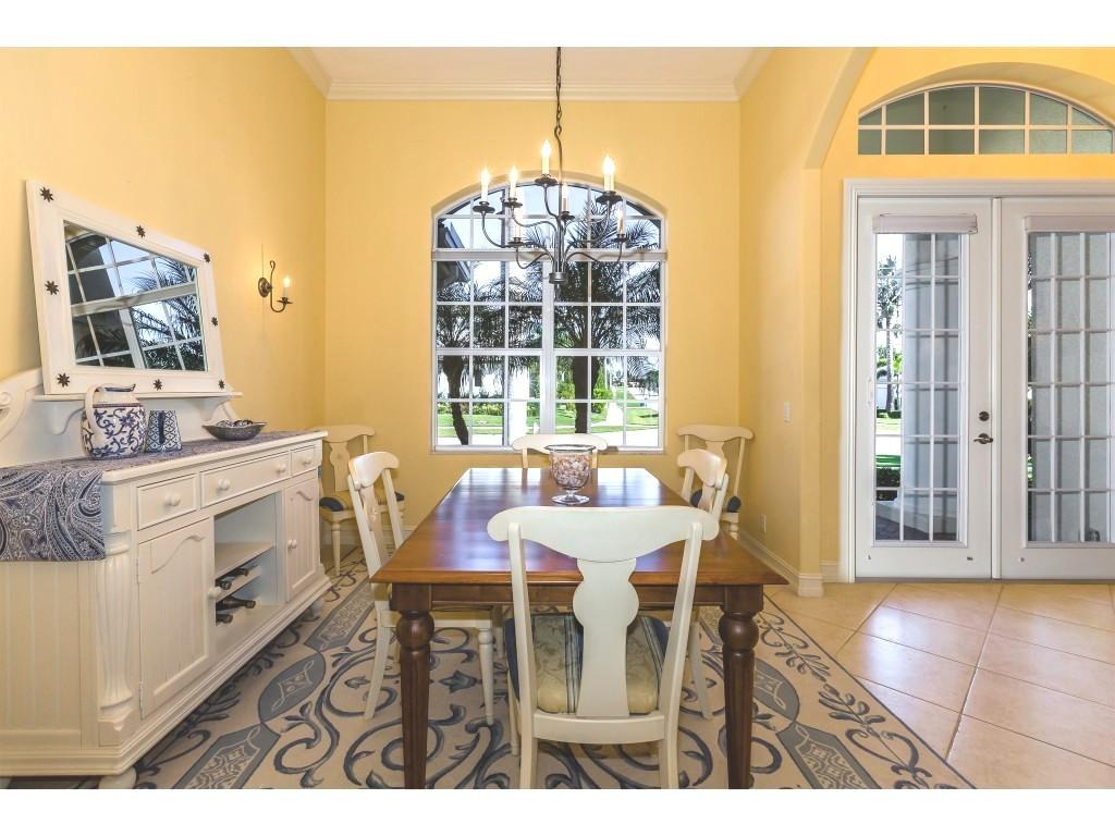 Laurene's dining room.jpg