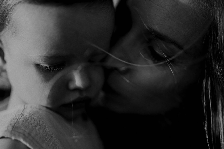 000000071_LOVEHERWILDPHOTOGRAPHY_178_Motherhood_motherhoodphotography_Familyphotographergoldcoast_Familyphotographerbyronbay_Loveherwildphotography.jpg