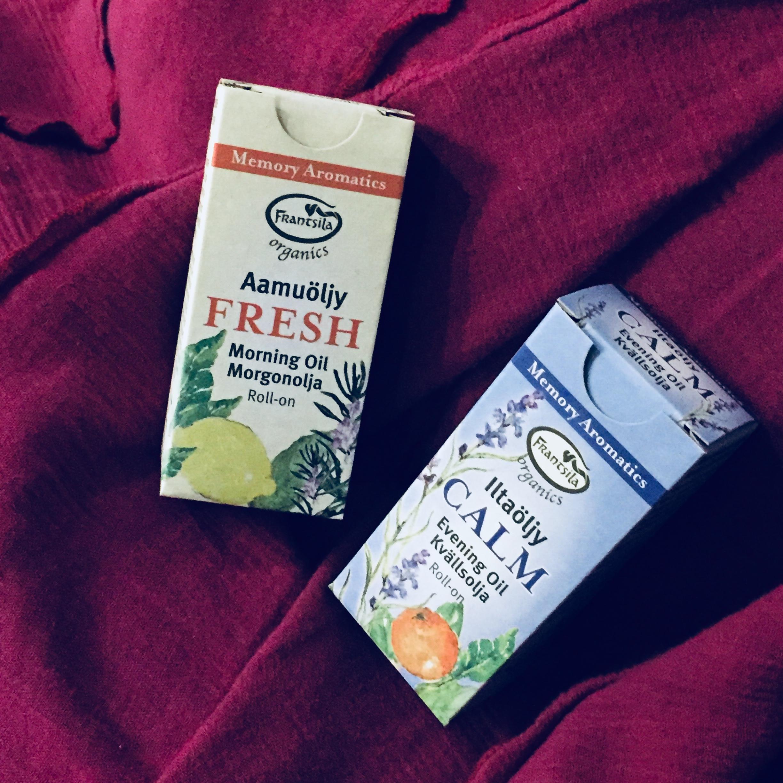 Aromaterapeuttiset tuoksu äljyt virkistämään - myös muistia - sekä rauhoittamaan.