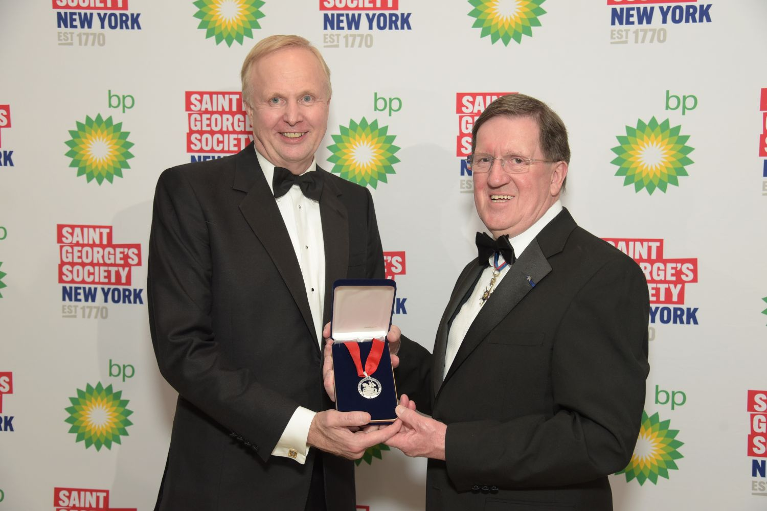 Bob Dudley and the Rt Hon Lord George Robertson of Port Ellen KT GCMG