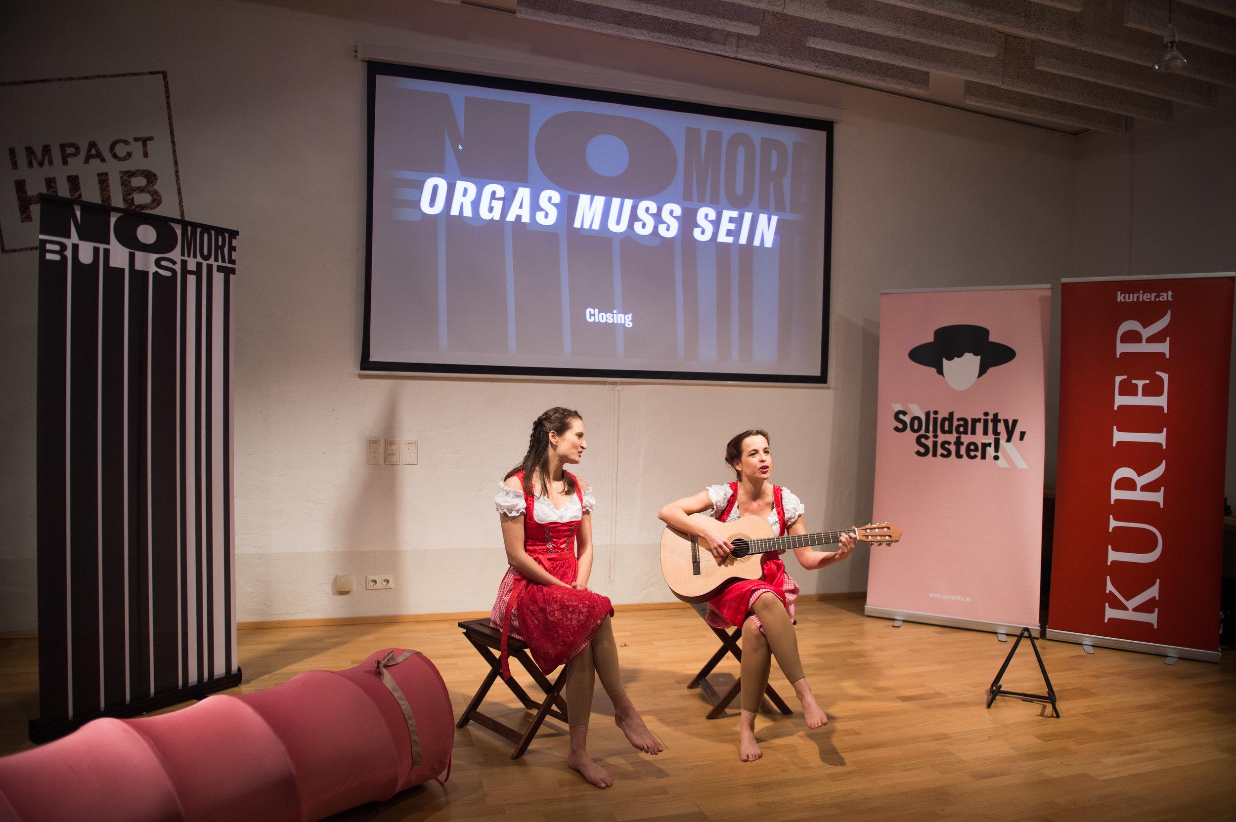 VID im Duo (Ursula Anna Baumgartner & Sina Heiss) beim NoMoreBullshit! Sorority Festival Wien 2017; Foto: Luiza Puiu