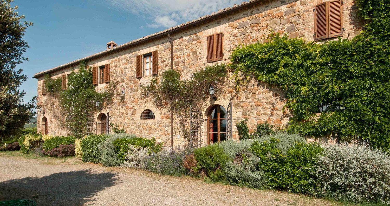 Lambertino-montalcino-home-villa-tuscany-italy-rent-hotel-affitare-casa-italia-wine-tasting-luxury-7.jpg