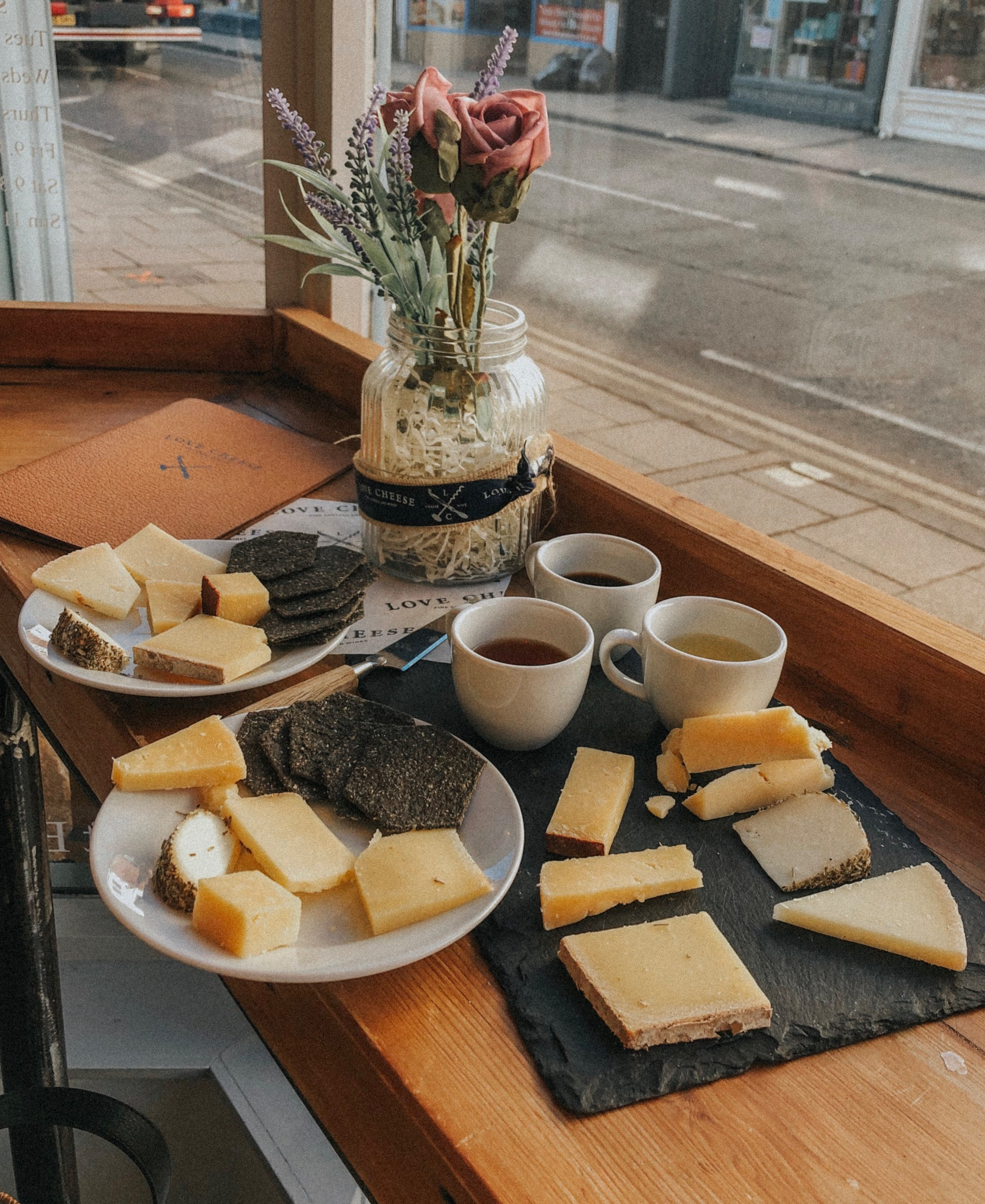 Comté, Doddingon, Fleur de Marquis, Mature Cheddar, Manchego cheeses