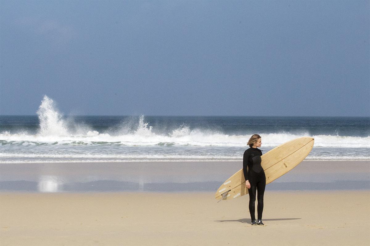 Otter_Surfboards_Sophie_Hellyer_portrait_ocean_2_soc.jpg