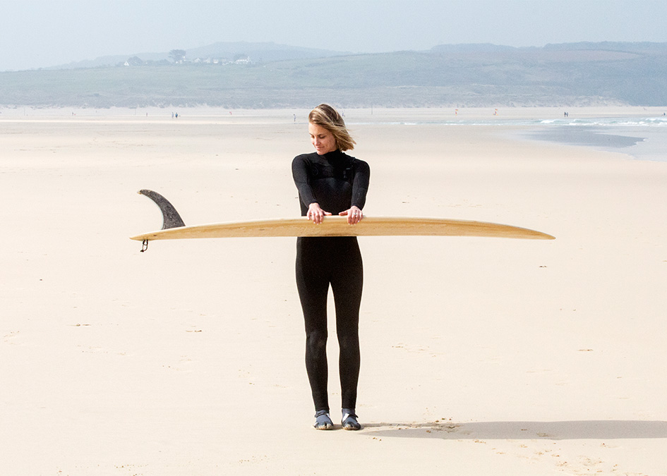 Otter_Surfboards_Sophie_Hellyer_portrait_beach_1_post.jpg