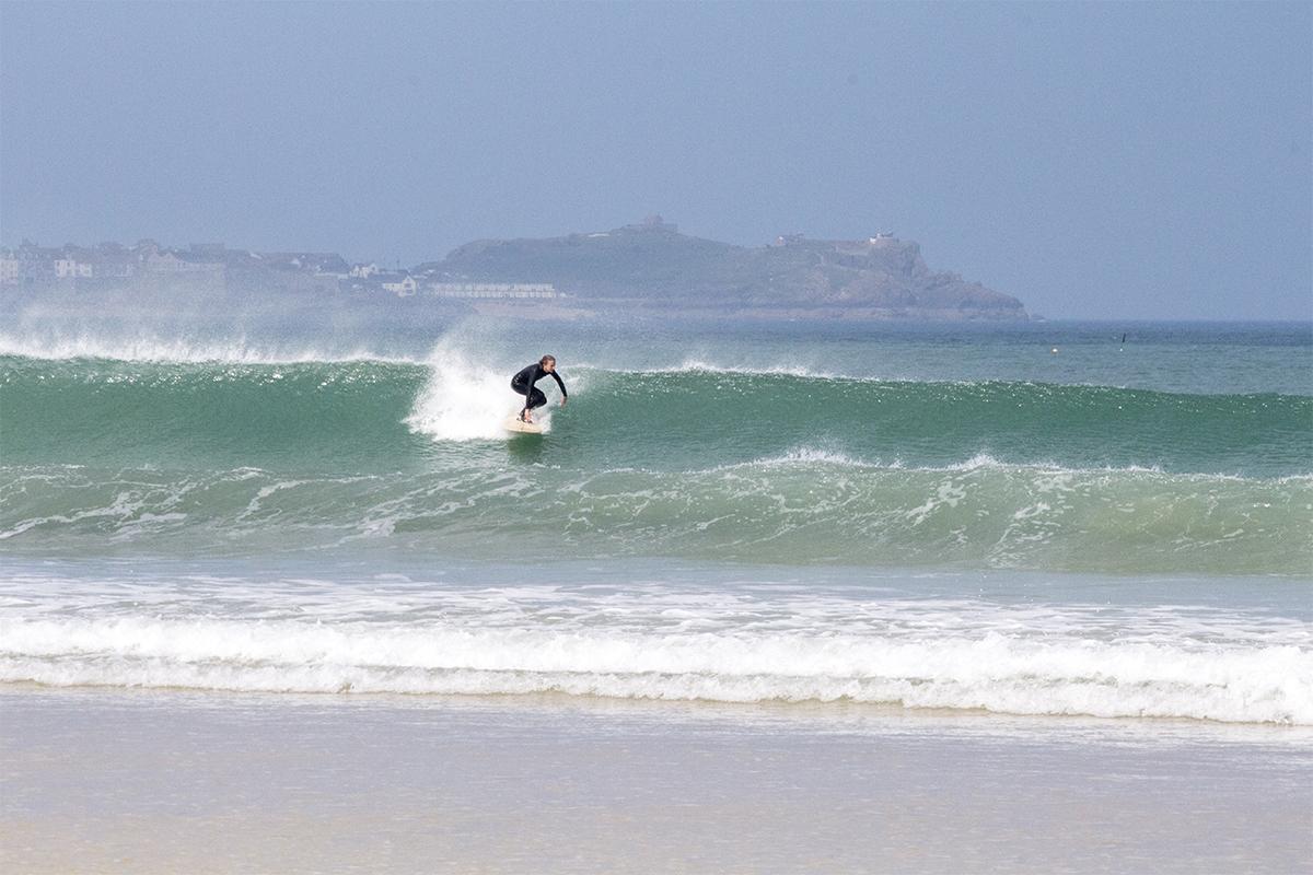 Otter_Surfboards_Sophie_Hellyer_take-off_St_Ives_soc.jpg