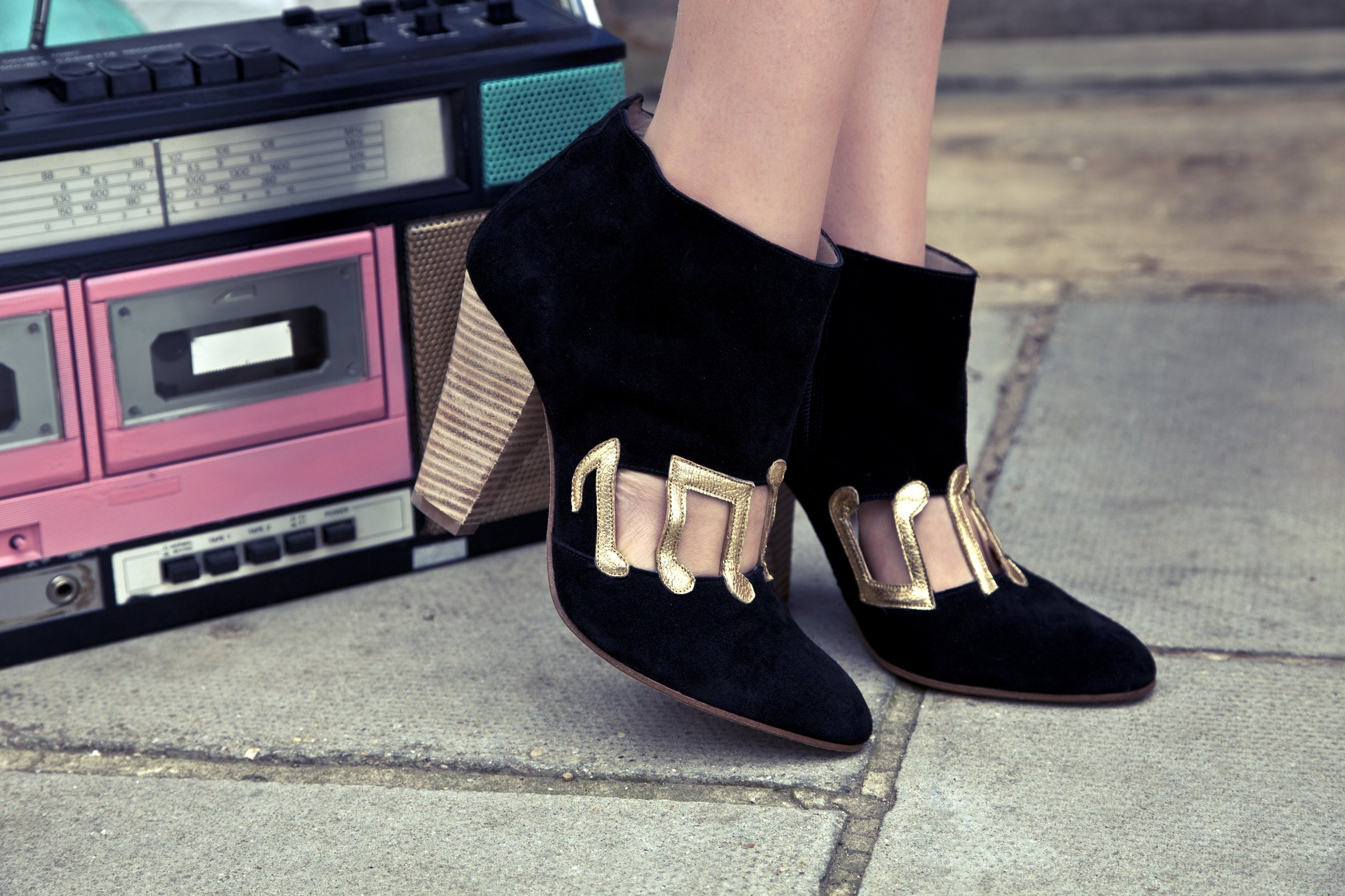 MUSIC-NOTE-BOOTS