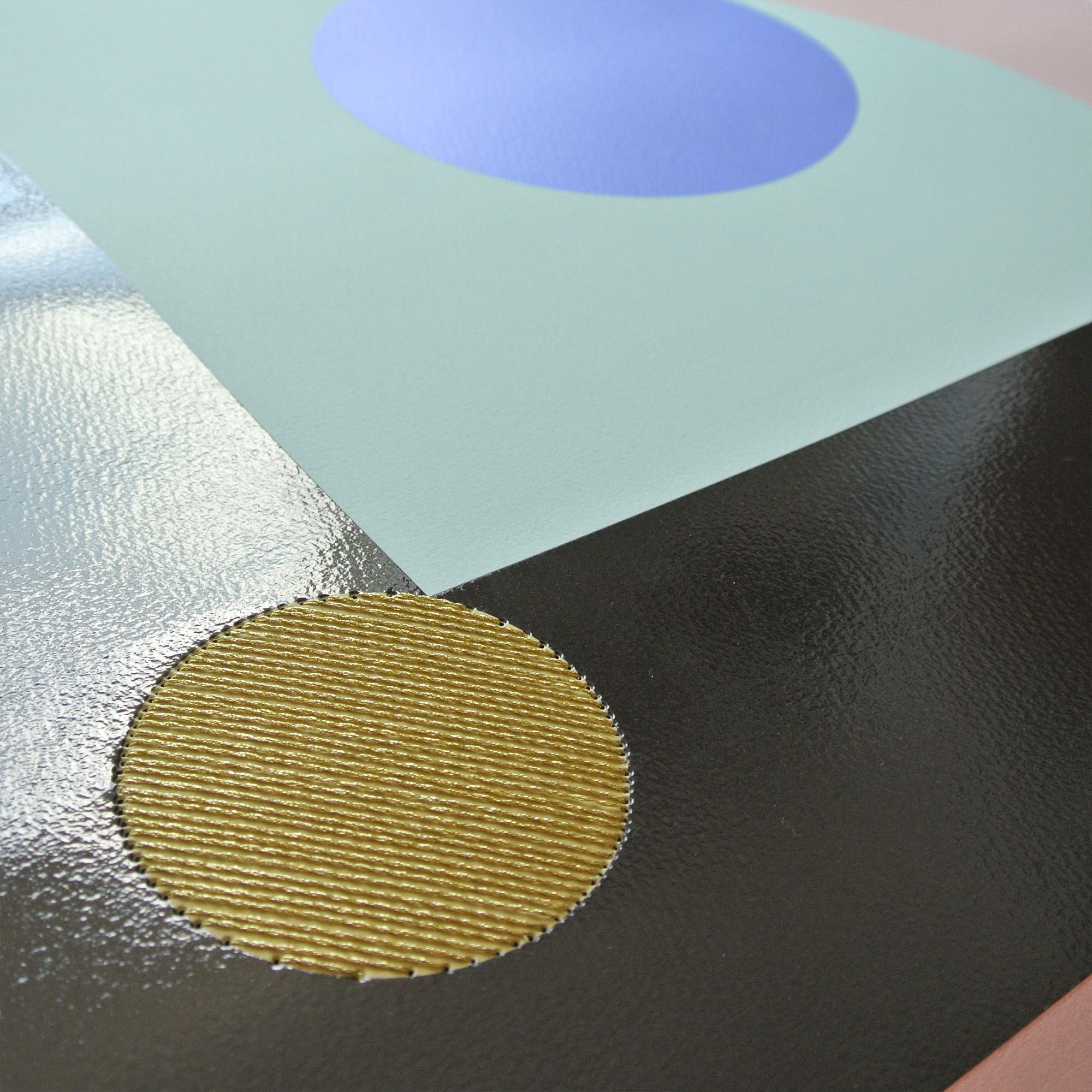 pearl-moon-print-detail-gloss.jpg