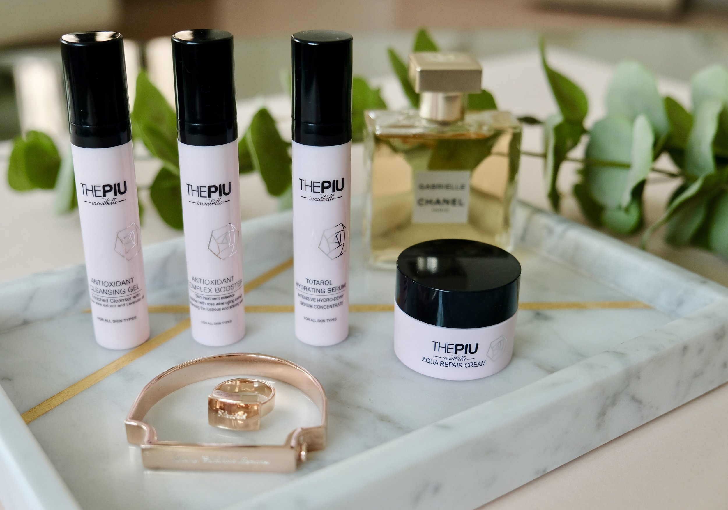 The PIU    - an  antioxidant-based facial care line, devoted to using the highest quality natural ingredients. Every product is alcohol, soap, and sulfate free; made using the finest, most beneficial plants and herbs.