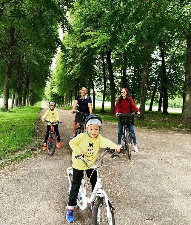 Spent the day at the Palace of Versailles... . . 🚲🚲🚲🚲. . . . #familyholiday #cycling #keepingactivetogether #makingchildhoodmemories #2019