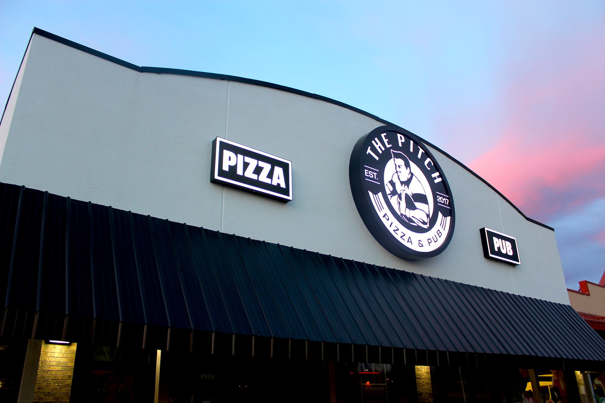 The Pitch Pizza and Pub places to eat Springfield, MO