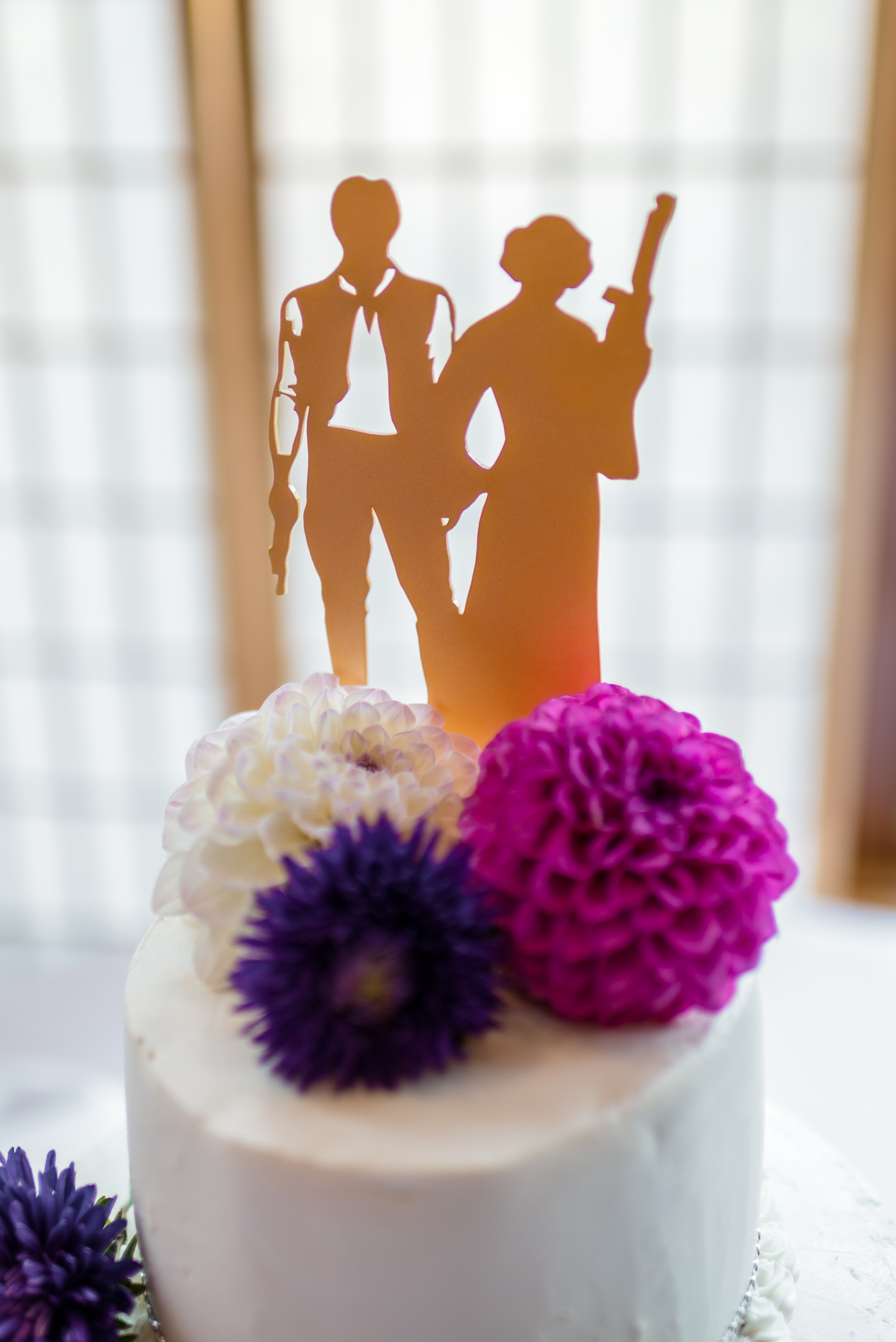 Wedding Cake Topper Details at Echo Falls Golf Course