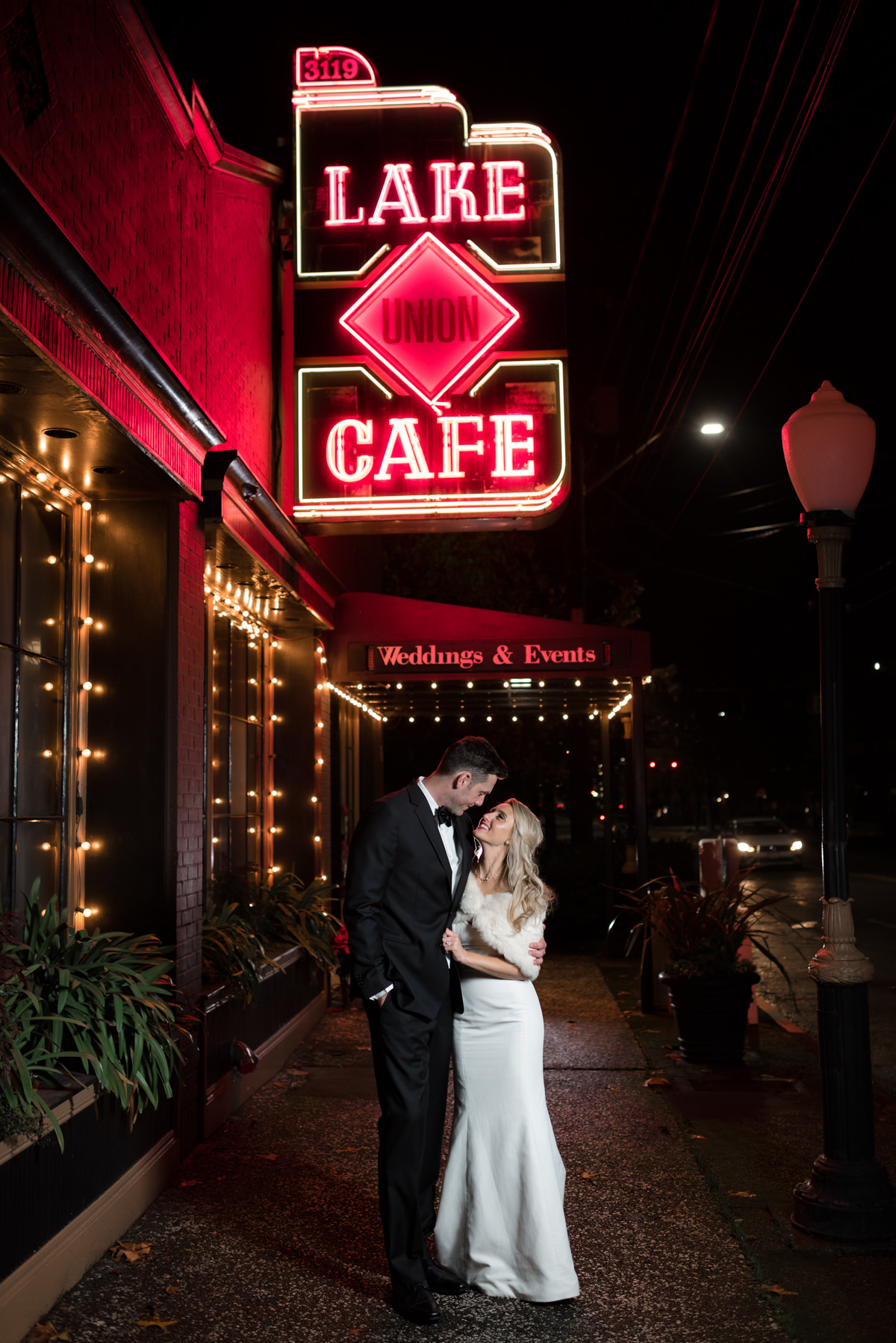 Andrew Tat - Documentary Wedding Photography - Lake Union Cafe - Seattle, Washington -Rachel and Ryan - 56.jpg
