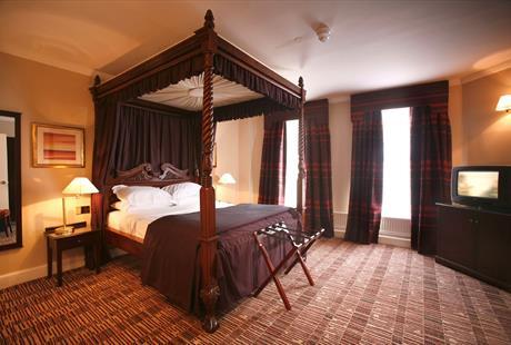 oldswan bed.jpeg