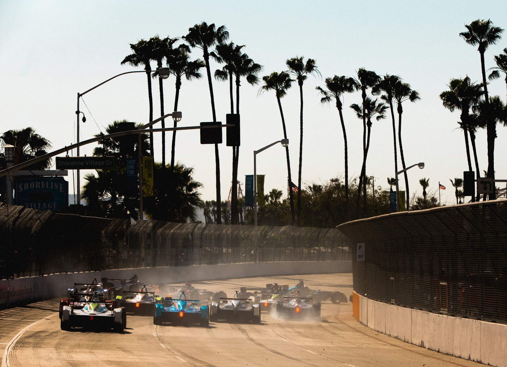 Start of the race. 2015/16 FIA Formula E Championship, Long Beach, California, USA.