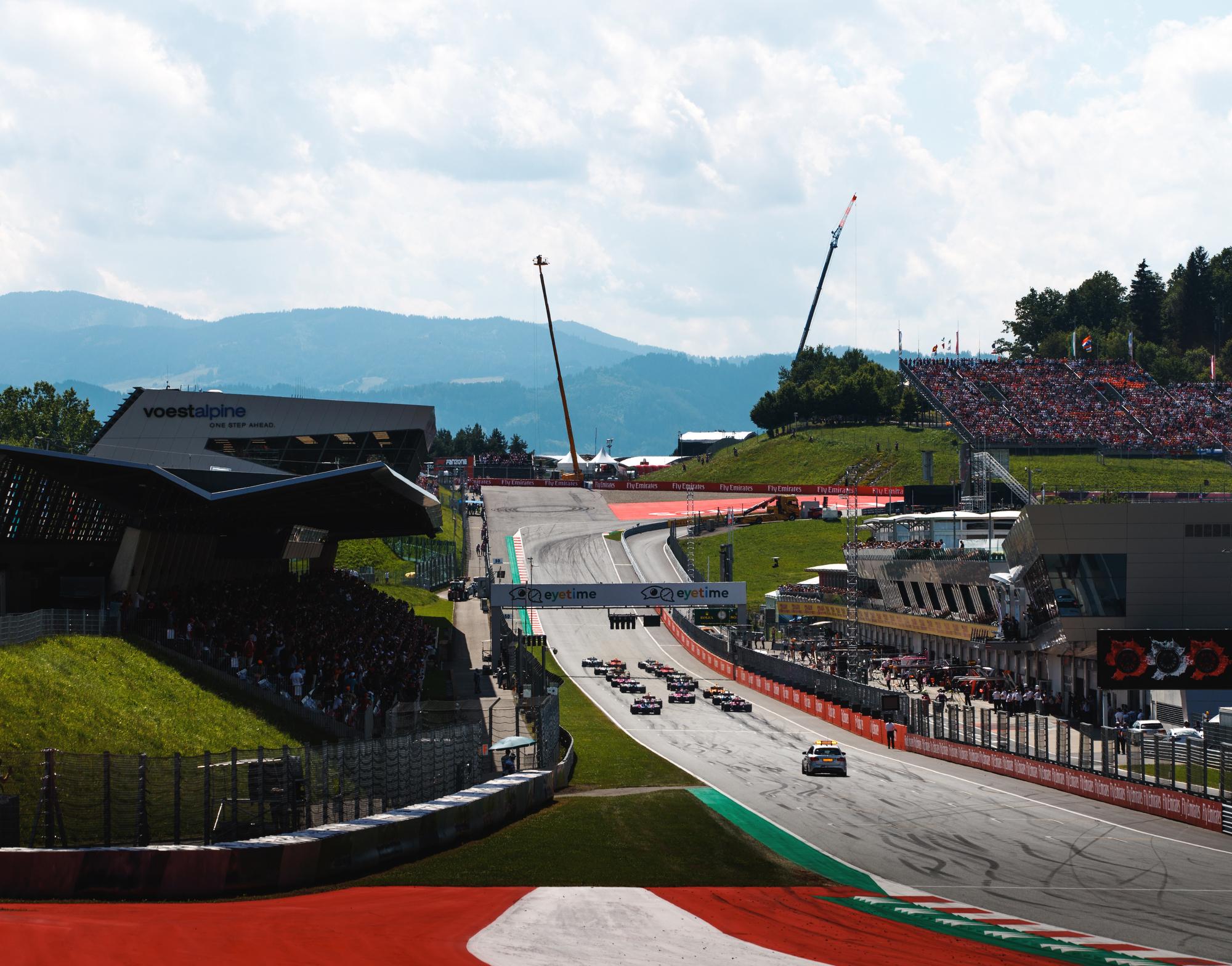 Race start. 2018 FIA Formula 1 Championship, Speilberg, Austria.