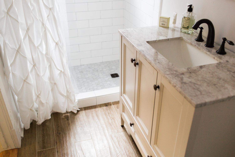 180216+Gurung+Bathroom-212A6111.jpg