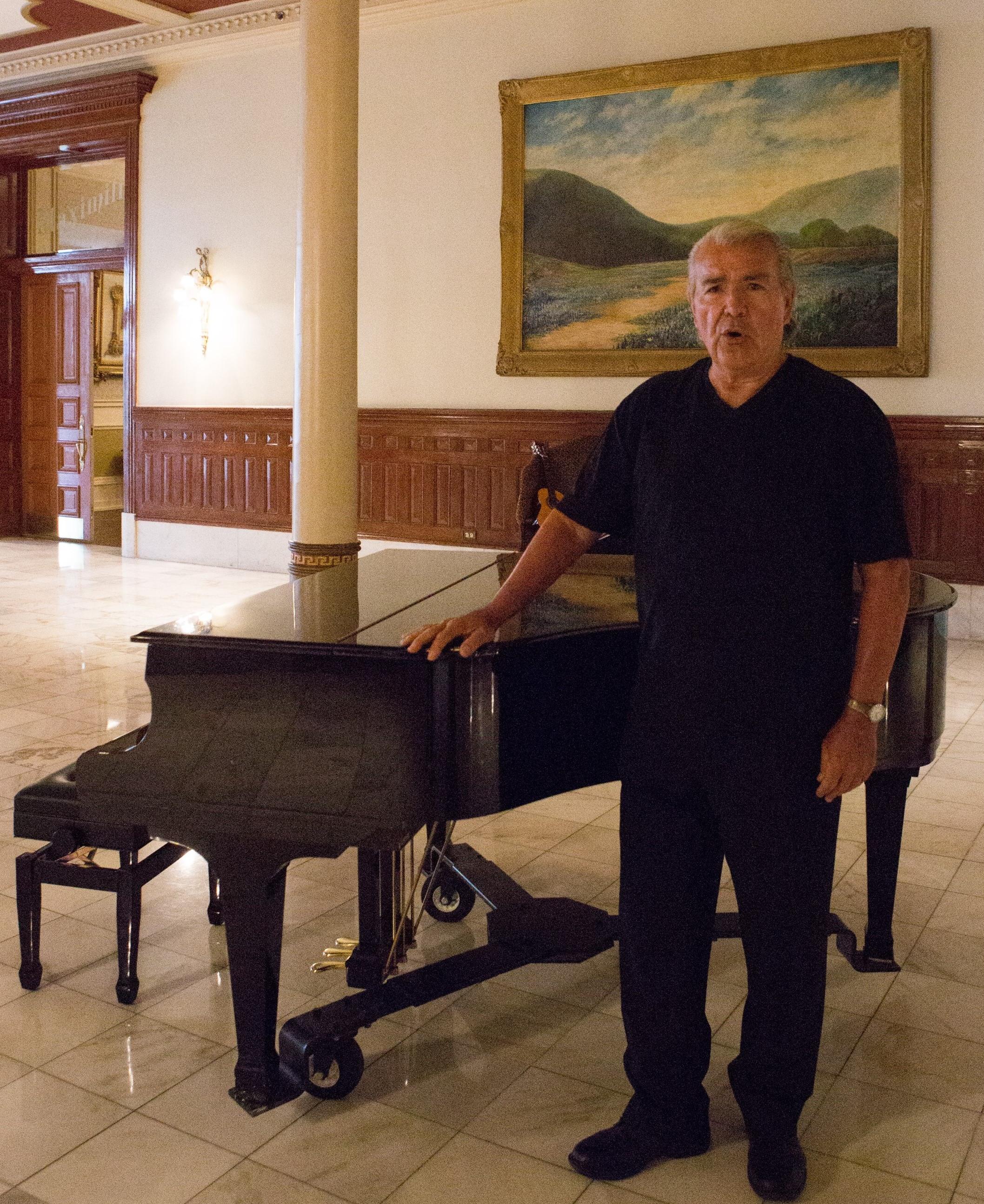 RLSchneider_Piano_cropped.jpg