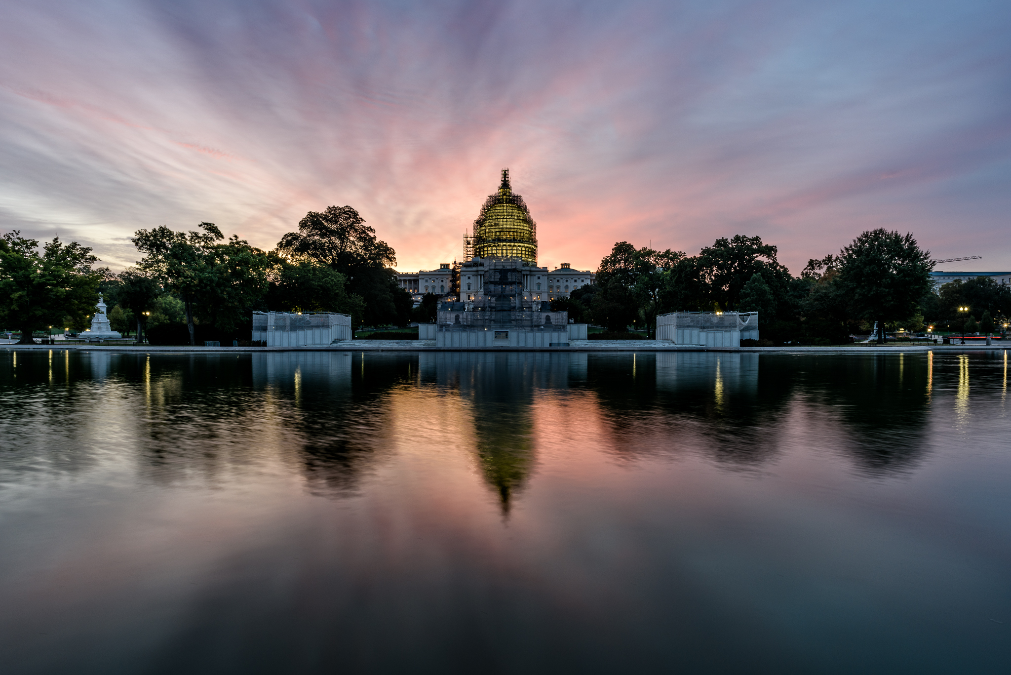 Pink sunrise at the Capitol Building.jpg