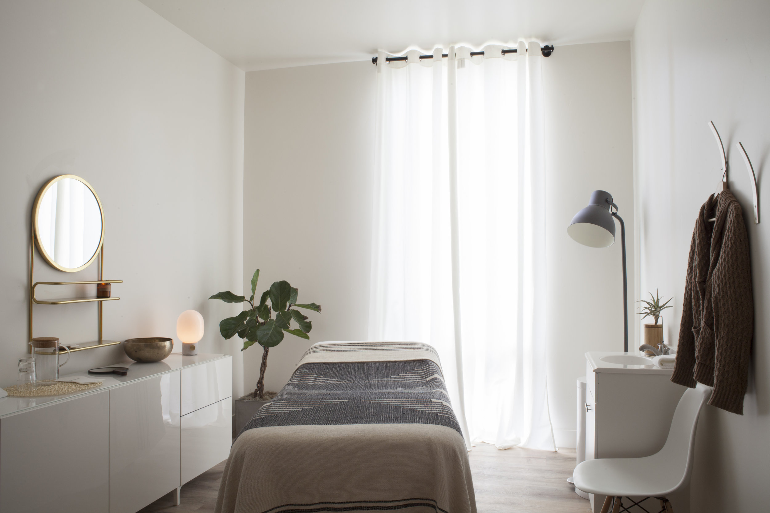 - Odla Studio is a petite sanctuary nestled in Salt Lake City'sboutique retail and wellness haven, the Maven District.
