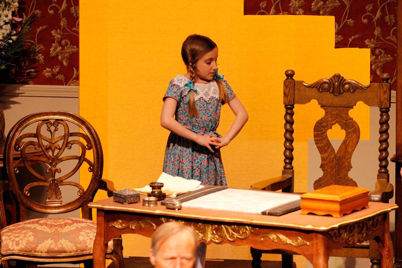 Schieehi-Little Girl_6910_Med.jpg