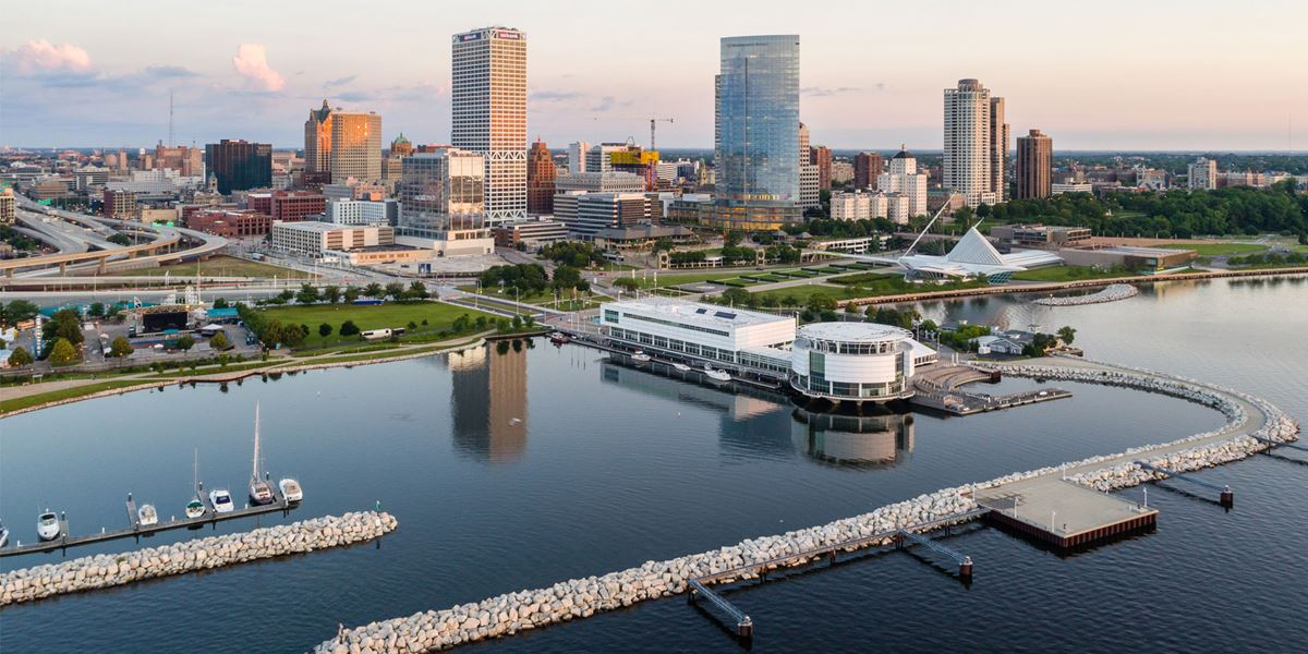 VM-Milwaukee-Skyline-Drone-Discoveryworld.jpg