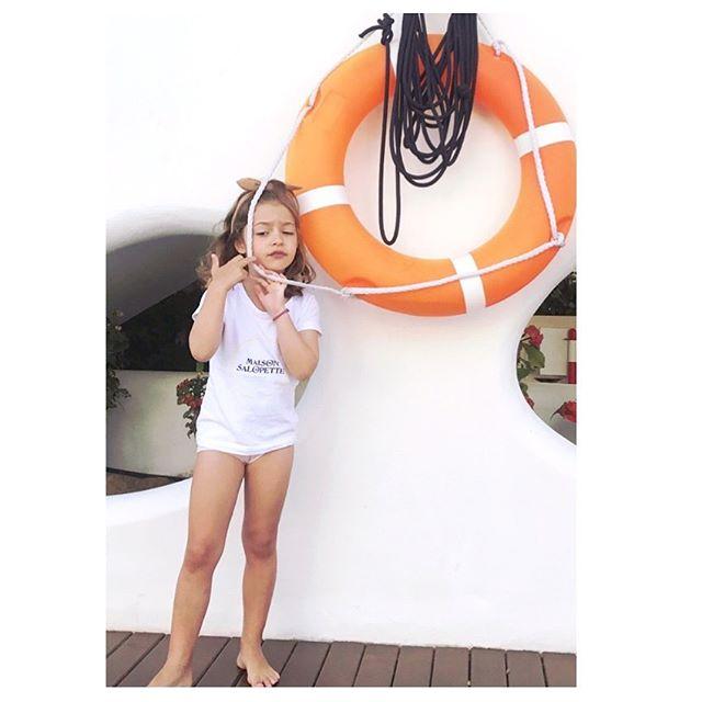Vous êtes prêts ?💦 Embarquement imminent ⛵️! ⚓️La capsule CARGO est en ligne 💦 T shirt Mixte avec inscription au dos «Pour enfants sages (ou pas..)» du 2 au 6 ans . . . . . . #maisonsalopette#pourenfantssagesoupas#madeinfrance#faitmain#homemade#fabricationfrancaise#kidzfashion#kidsfashion#fashionkids#fashionkidz#kids#kidz#fashion#mode#modeenfant#kidzmoda#vetements#enfants#enfant#maman#dungarees#salopette#kidslook#kidzlook#lookdujour#lookoftheday#instalook#paris