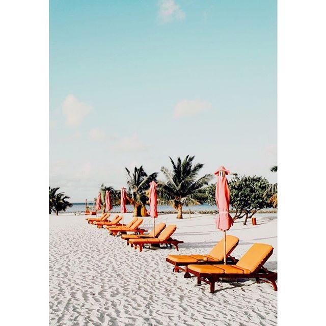 Chill and zen ⛱⛱⛱ En mode vacances ⛱⛱⛱ #maisonsalopette#vacances#holidays#plage#beach#pourenfantssagesoupas#mood#inspiration#modeenfant#enfants#enfant#kids#kidz#kidsclothes#vetementbebe#baby#babies#moodoftheday#pyla
