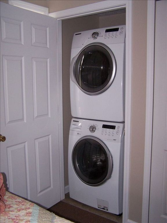 1st bedroom has Washer and Dryer in the closet