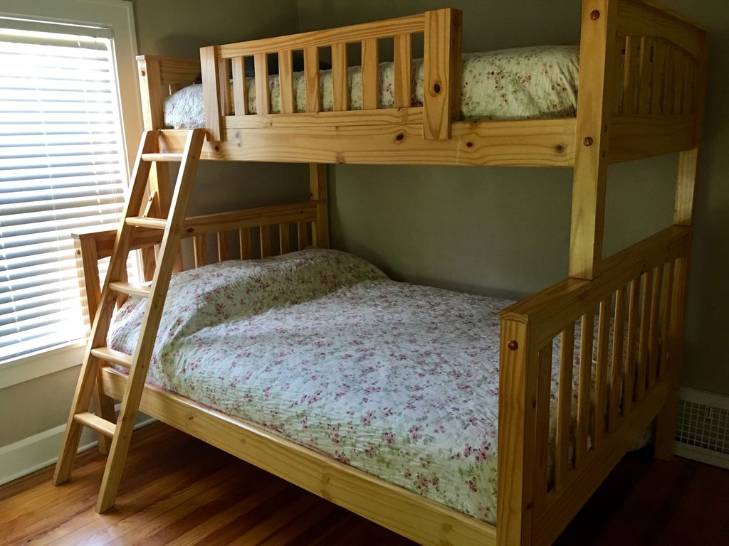 2nd floor- 2nd bedroom- sleeps 3