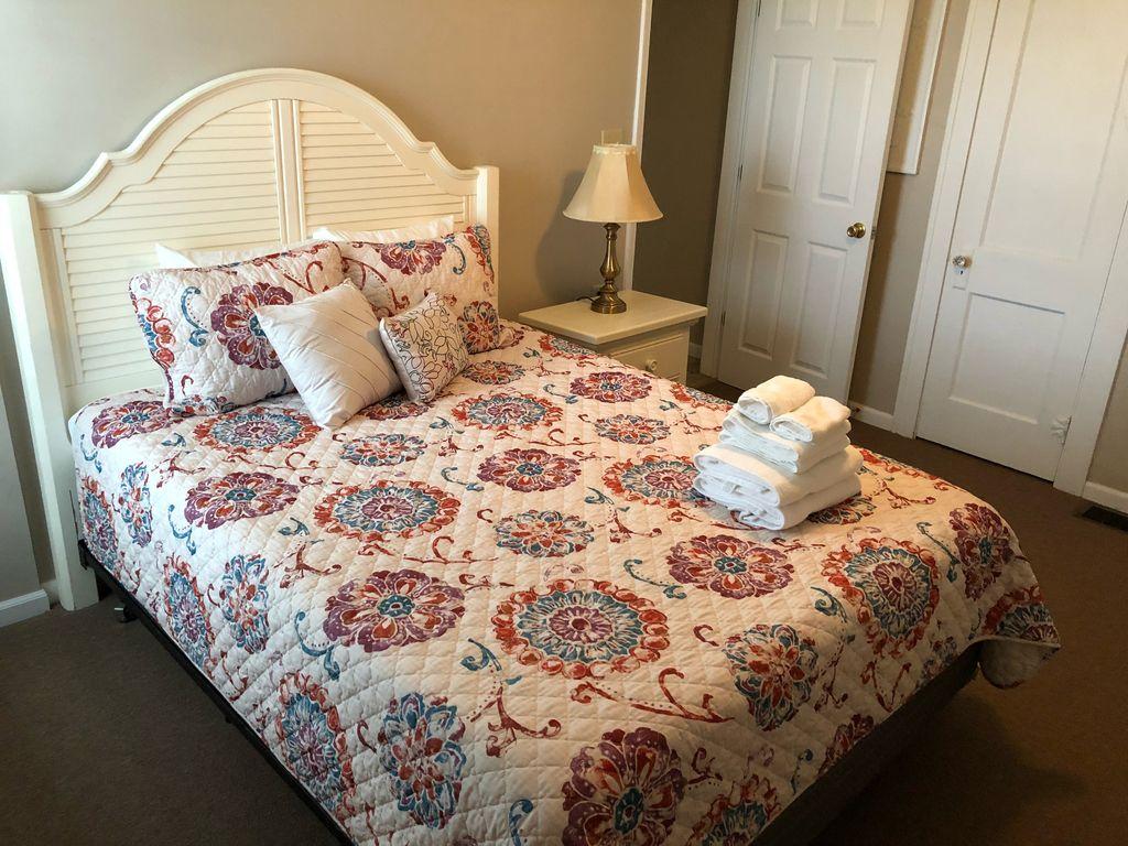 1st floor- 1st bedroom- Queen bed
