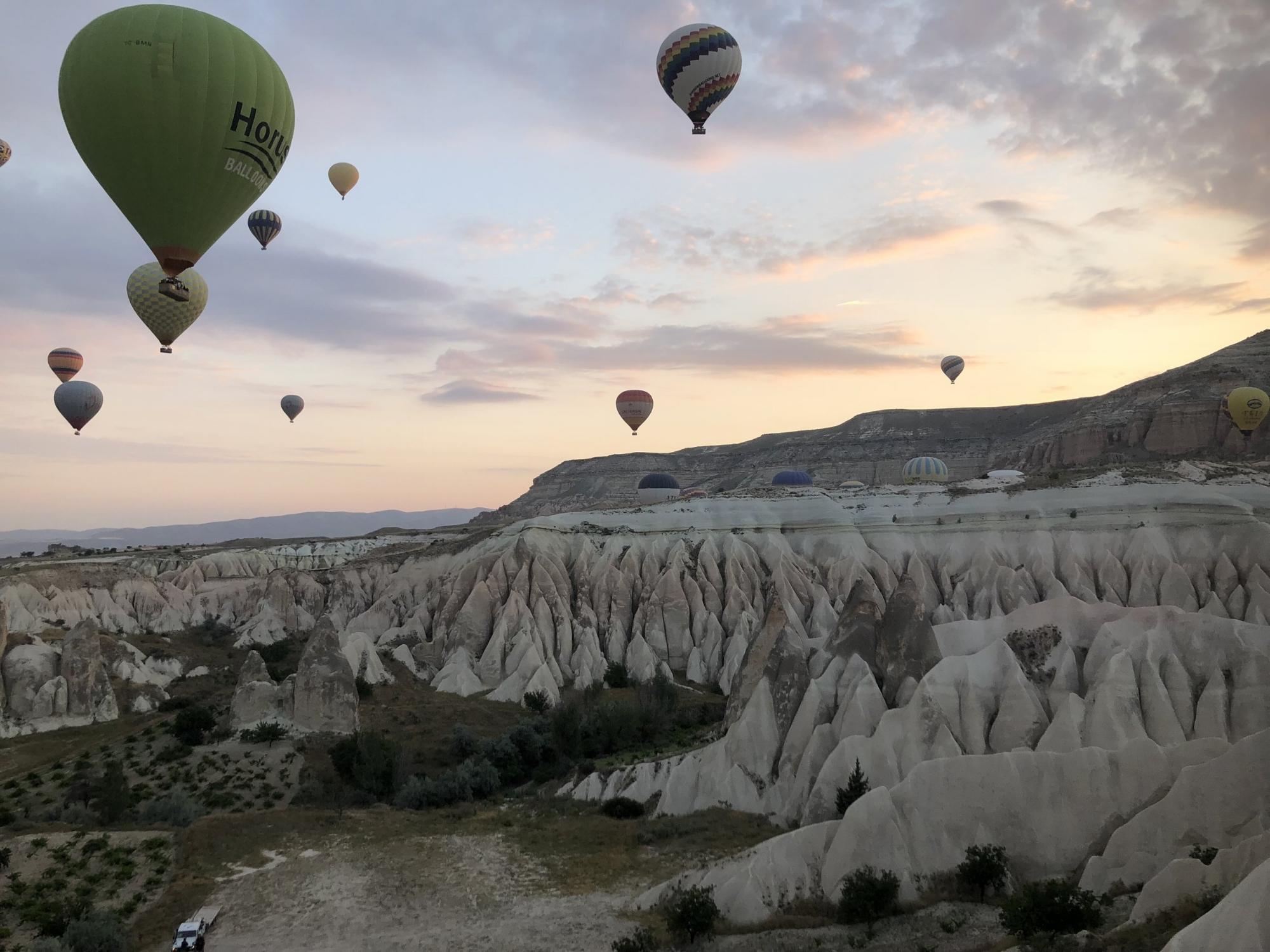 adventuresofawanderluster.com