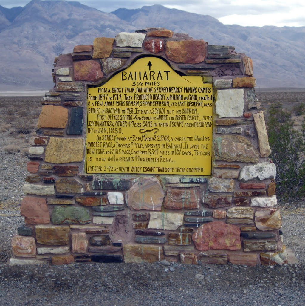 The ghost town of Ballarat is just 3.5 miles south on Indian Ranch Road