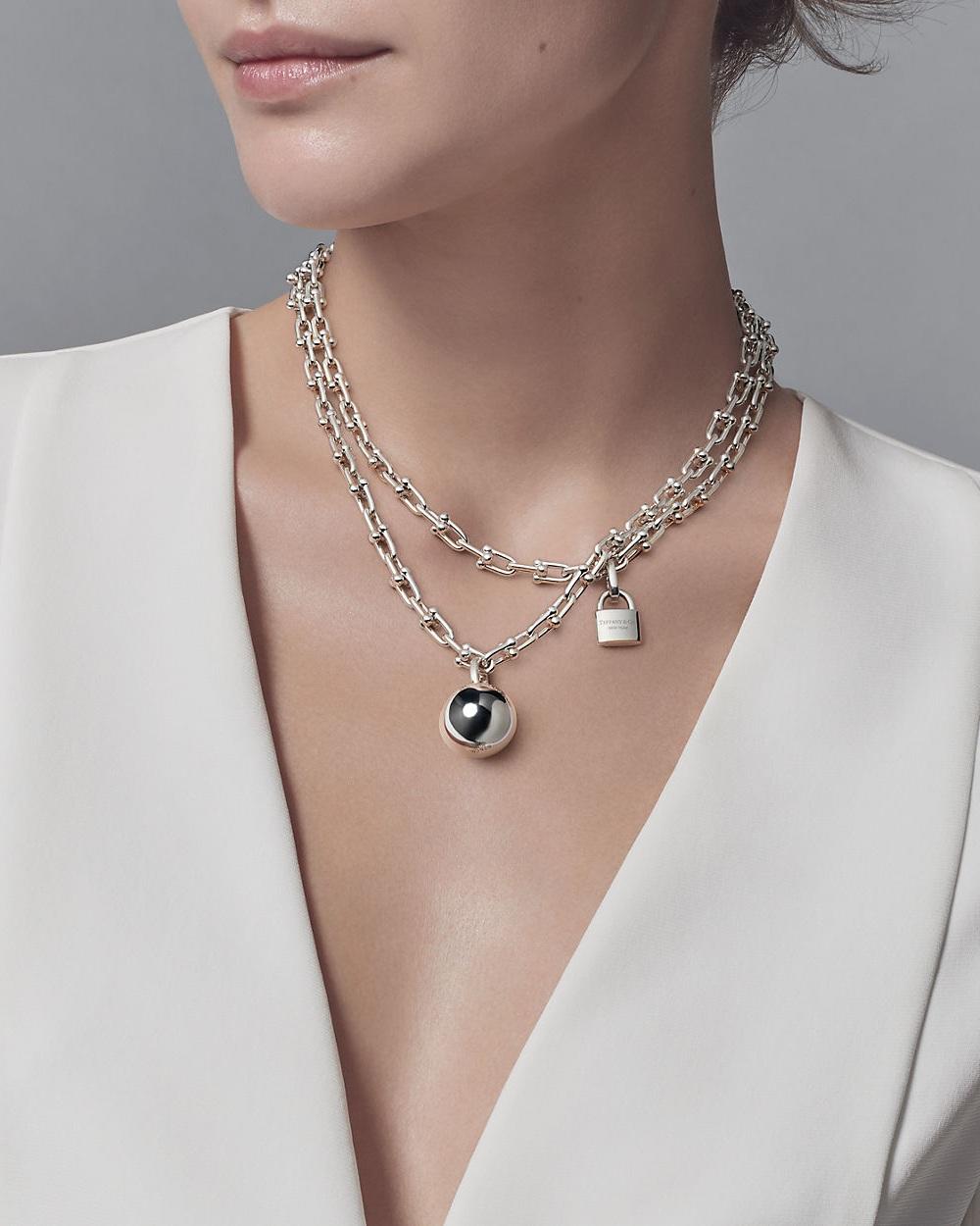 tiffany-hardwearwrap-necklace-38172794_981044_SV_1_M.jpg